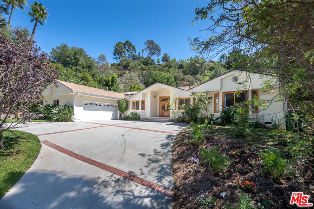9310 CHEROKEE Lane #  Beverly Hills CA 90210