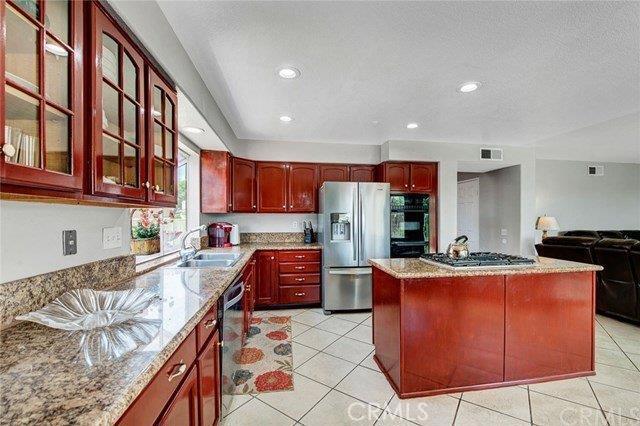 7173 Rockspring Lane, Highland CA: http://media.crmls.org/mediaz/B74BF646-DA45-4A38-852B-6B5B40D88A42.jpg