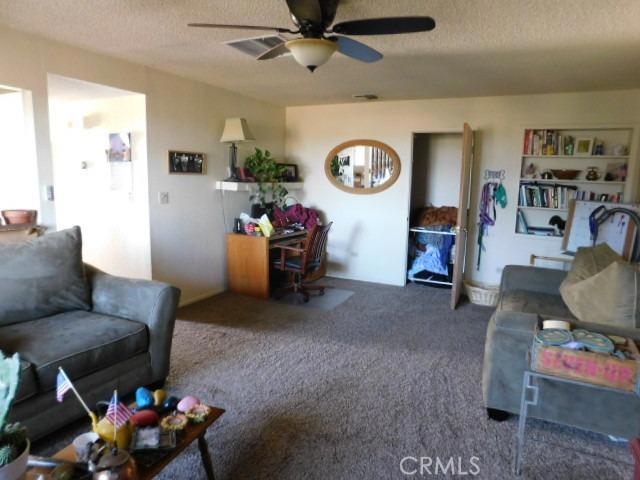 14297 Lynn Road, Apple Valley CA: http://media.crmls.org/mediaz/B76A0327-9975-4CEC-9F67-03C850E2544E.jpg