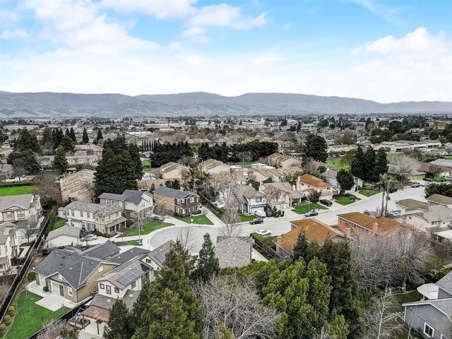 16745 Lone Hill Drive, Morgan Hill CA: http://media.crmls.org/mediaz/B7E8FFAA-F1C4-4AB0-82CD-9CBCEE38A410.jpg