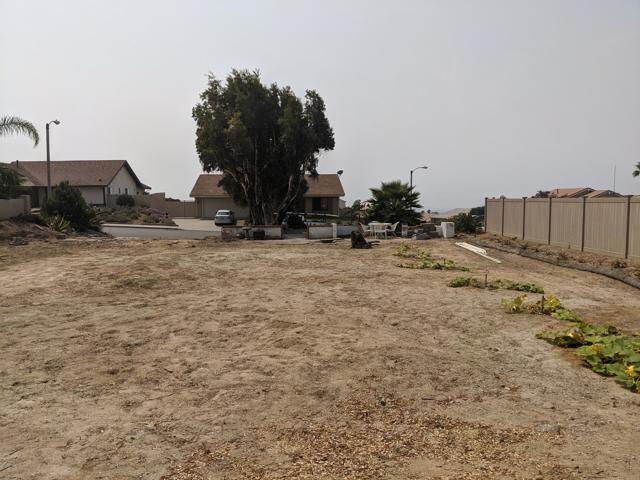 894 High Point Drive, Ventura CA: http://media.crmls.org/mediaz/B80477F9-8616-4B43-A015-0D0C8F6894CC.jpg