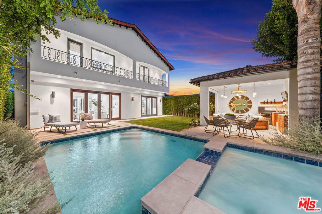 119 S Laurel Avenue #  Los Angeles CA 90048
