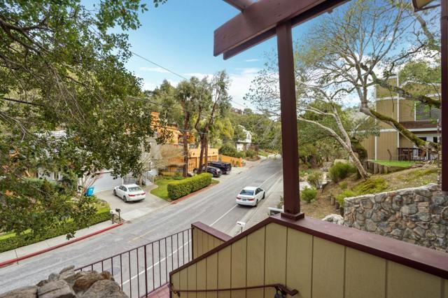 3015 San Juan Boulevard, Belmont CA: http://media.crmls.org/mediaz/B86EABAA-4083-4080-B98B-C338AC2DAB80.jpg