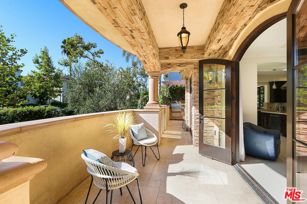 462 S MAPLE Drive # 1 Beverly Hills CA 90212