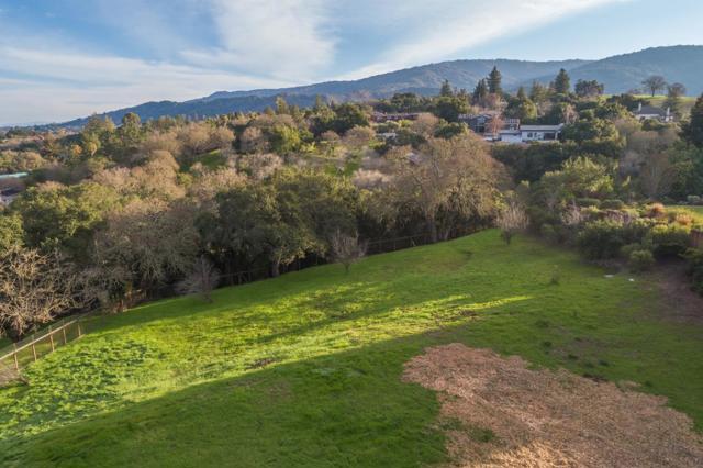 27474 Sunrise Farm Road, Los Altos Hills CA: http://media.crmls.org/mediaz/B8BD1661-8243-4F0F-80DE-901AF7ED97A0.jpg