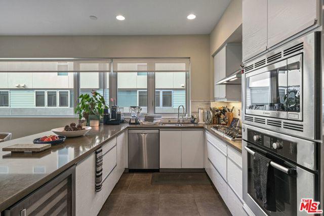 310 Washington Blvd 304, Marina del Rey, CA 90292 photo 14