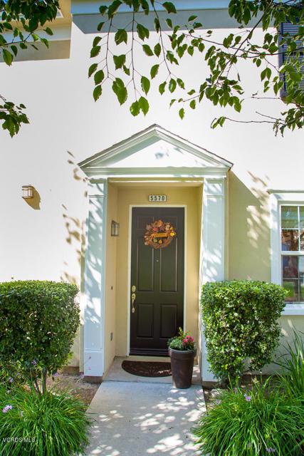 5570 Coltrane Street, Ventura CA: http://media.crmls.org/mediaz/B9C49C3F-B7BF-4858-9D50-B3C4E8D9F5B7.jpg