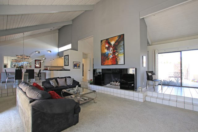 34800 Mission Hills Drive, Rancho Mirage CA: http://media.crmls.org/mediaz/BA0D86FE-4789-4124-A168-D8EC6D7DA5C4.jpg