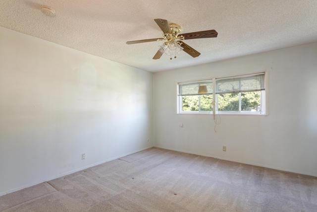 2292 Jonesboro Avenue, Simi Valley CA: http://media.crmls.org/mediaz/BA2F5193-5572-449F-85B9-1FFF667335A5.jpg