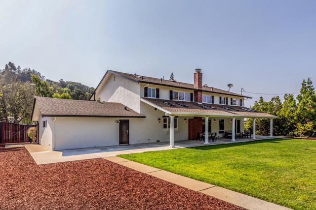 13878 MALCOM Avenue, Saratoga CA: http://media.crmls.org/mediaz/BA655DE4-BFAE-410E-9E09-0D01CE365617.jpg