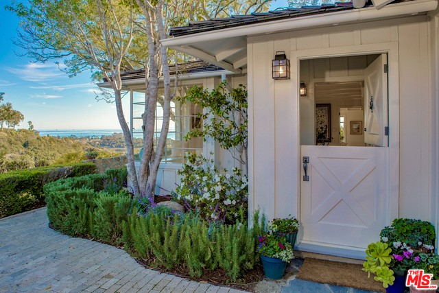 Single Family Home for Sale at 1715 Eucalyptus Hill Road Santa Barbara, California 93103 United States