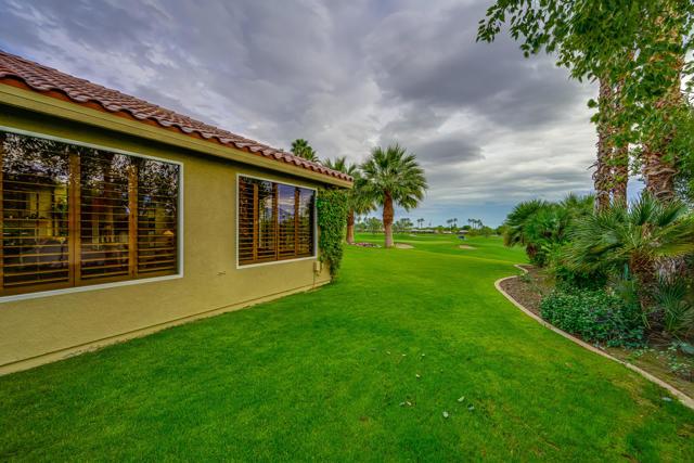 81155 Legends Way, La Quinta CA: http://media.crmls.org/mediaz/BAA2A399-1BCD-4421-BA1A-FED96100C765.jpg