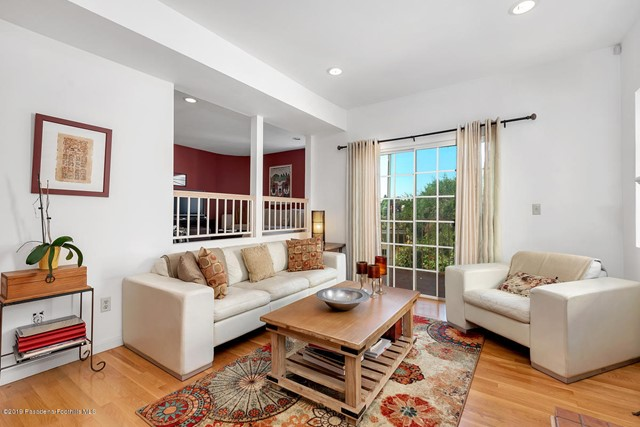 714 Sunnyhill Drive, Los Angeles, California 90065, 3 Bedrooms Bedrooms, ,2 BathroomsBathrooms,Residential,For Rent,Sunnyhill,819003931