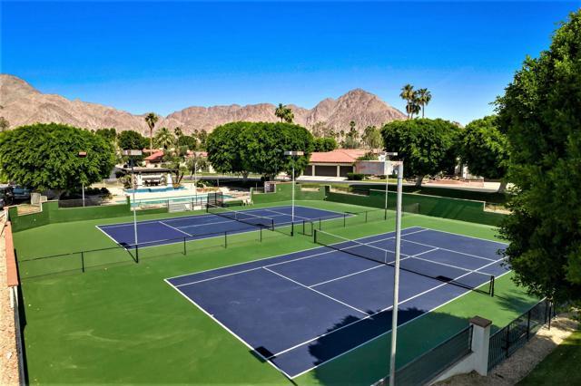 78255 Hacienda Drive, La Quinta CA: http://media.crmls.org/mediaz/BAD4587B-EB84-4C1D-8CDE-6509D306B441.jpg