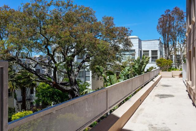 1438 Green Street, San Francisco CA: http://media.crmls.org/mediaz/BB51C1C2-94BC-4F1D-B0E1-BE23B5A0A98F.jpg