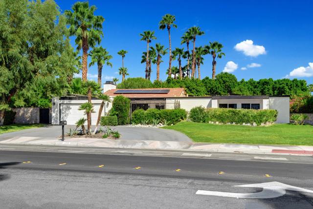 1200 N Avenida Caballeros, Palm Springs CA: http://media.crmls.org/mediaz/BB69A631-B86A-4892-B1B6-6CBF6EEE8E7C.jpg
