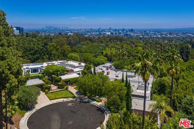 Photo of 520 Stonewood Drive, Beverly Hills, CA 90210