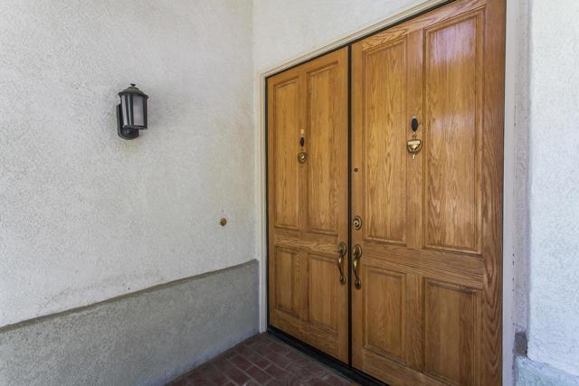 11694 Sagewood Drive, Moorpark CA: http://media.crmls.org/mediaz/BB991ED7-AF9E-4D96-89D4-A73D43E286CB.jpg