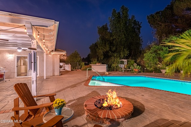 658 Bonwit Place, Simi Valley CA: http://media.crmls.org/mediaz/BB9FD6DC-8915-4848-985D-2E9939C8AE7C.jpg
