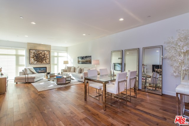447 N DOHENY Drive Unit 303, Beverly Hills CA 90210