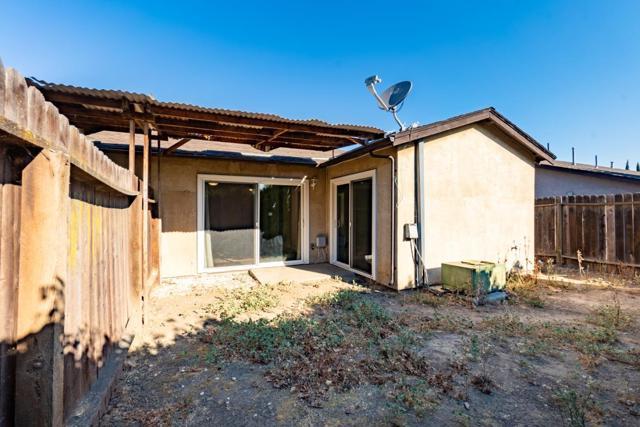 2317 Manzanita Way, Antioch CA: http://media.crmls.org/mediaz/BBFC5932-D387-4F13-B85F-3662AAF160F5.jpg