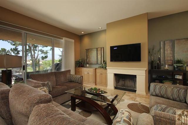 47 Pebble Beach Drive, Rancho Mirage CA: http://media.crmls.org/mediaz/BC0F2AE6-9743-4E6E-9FEA-3774DFF1D681.jpg