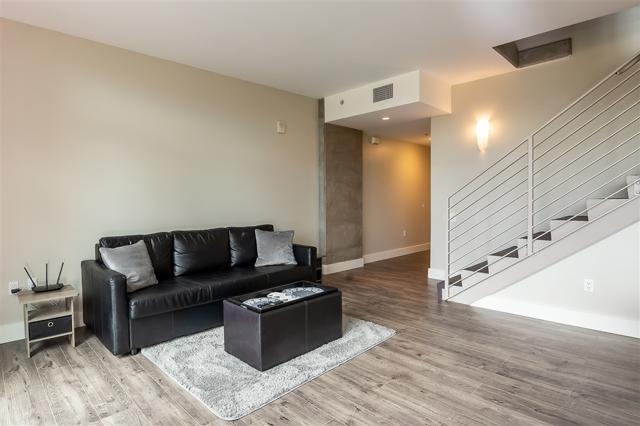 350 11th Ave, San Diego CA: http://media.crmls.org/mediaz/BC27C83D-FDB9-413E-91E2-EEA8A5A650C8.jpg