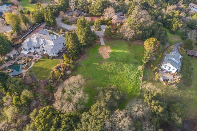 27474 Sunrise Farm Road, Los Altos Hills CA: http://media.crmls.org/mediaz/BC606366-8232-47C7-8B07-801561375B3B.jpg