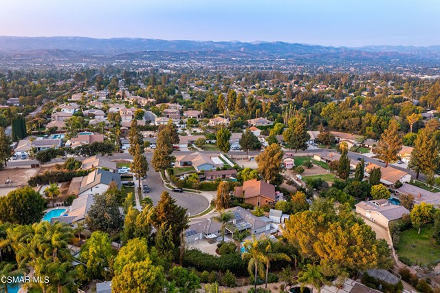 658 Bonwit Place, Simi Valley CA: http://media.crmls.org/mediaz/BCAA4B80-E6EE-41DD-B691-00CB2AA19333.jpg
