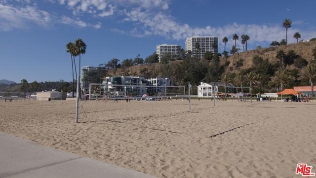 270 PALISADES BEACH Road, Santa Monica CA: http://media.crmls.org/mediaz/BCB6181D-07B0-4FBA-ABDF-28A107587E74.jpg