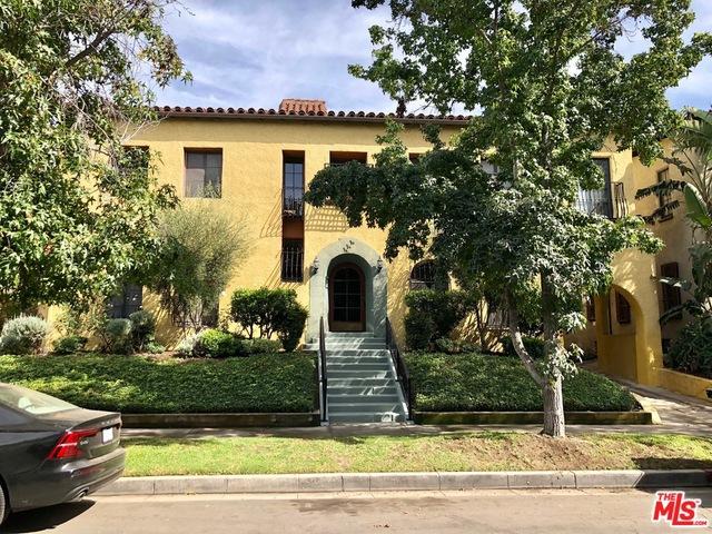 444 N SYCAMORE Avenue, Los Angeles CA: http://media.crmls.org/mediaz/BD1461DE-1E3C-4CF0-A907-793830E94AAE.jpg