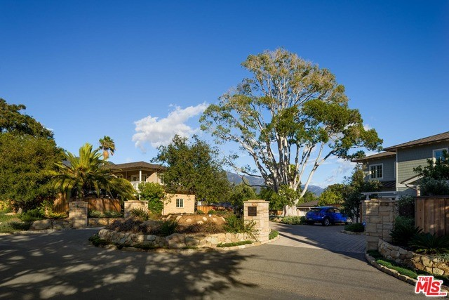 Single Family Home for Sale at 1385 Danielson Road Montecito, California 93108 United States