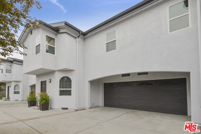 1046 253RD Street, Harbor City, California 90710, 3 Bedrooms Bedrooms, ,2 BathroomsBathrooms,Townhouse,For Sale,253RD,20566846