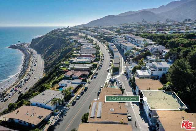 18103 Coastline Drive, Malibu CA: http://media.crmls.org/mediaz/BD75F219-95D2-4343-AC99-2EC751CD5E33.jpg