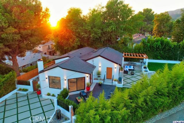 5043 Ramsdell Avenue, La Crescenta CA: http://media.crmls.org/mediaz/BD93E385-06D0-49EE-9B43-3D2477B8460E.jpg