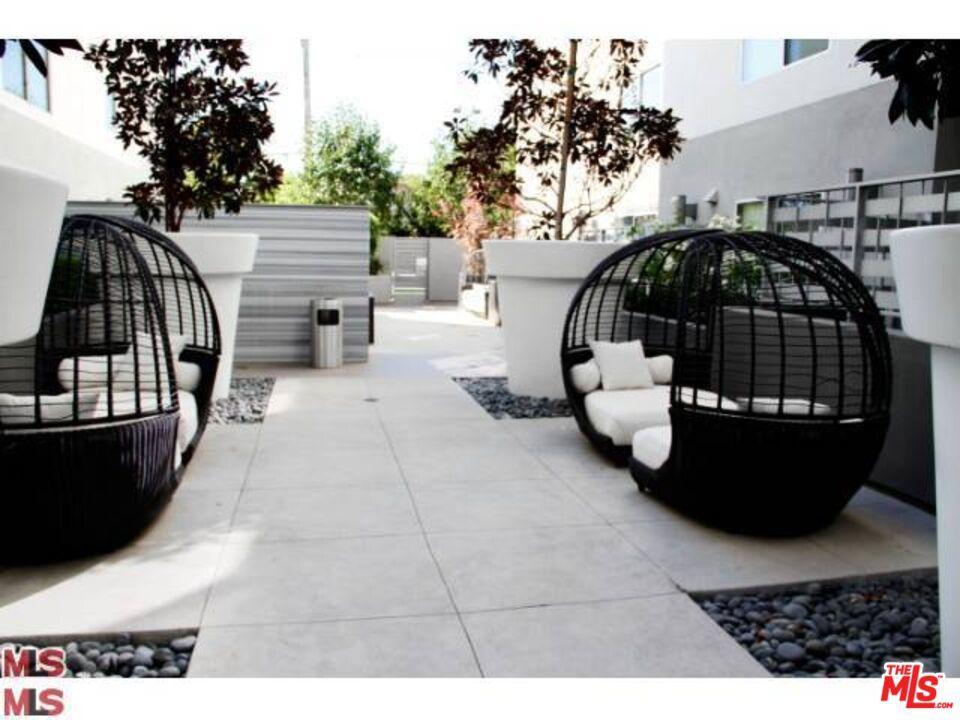 1700 Sawtelle Boulevard # PH16 Los Angeles CA 90025