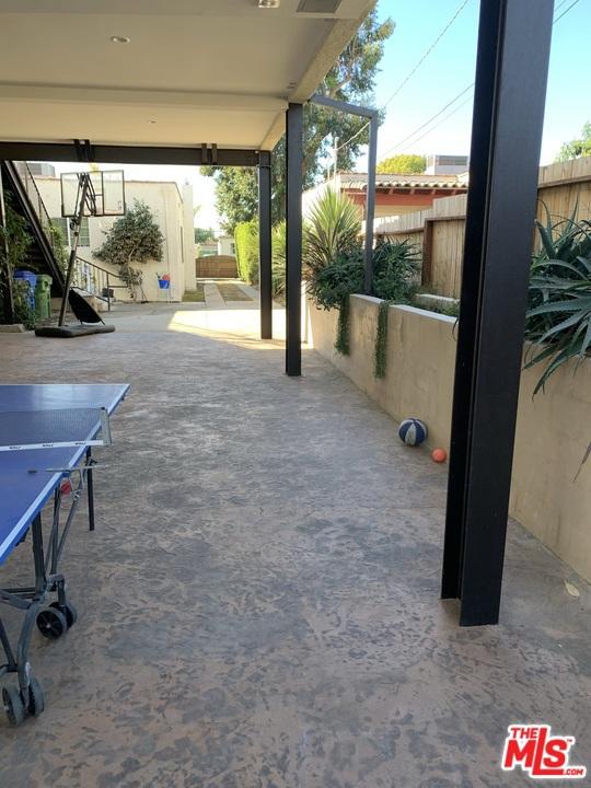 2038 2040 Butler Avenue, Los Angeles CA: http://media.crmls.org/mediaz/BE012978-1F1E-4568-8B25-EB42C927D161.jpg