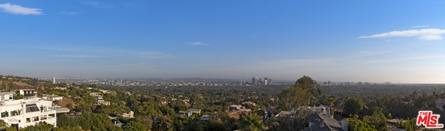 1426 Summitridge Drive, Beverly Hills CA: http://media.crmls.org/mediaz/BE1257FC-31E9-440E-8CA8-5BB822BEE39E.jpg