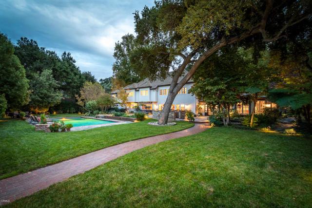 511 Berkshire Avenue, La Canada Flintridge CA: http://media.crmls.org/mediaz/BE402FD2-1244-46CF-9451-D712040288B9.jpg
