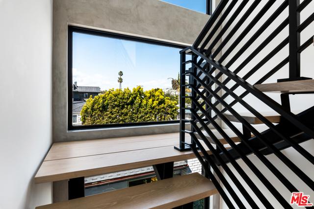 3486 Wade St, Los Angeles, CA 90066 photo 29