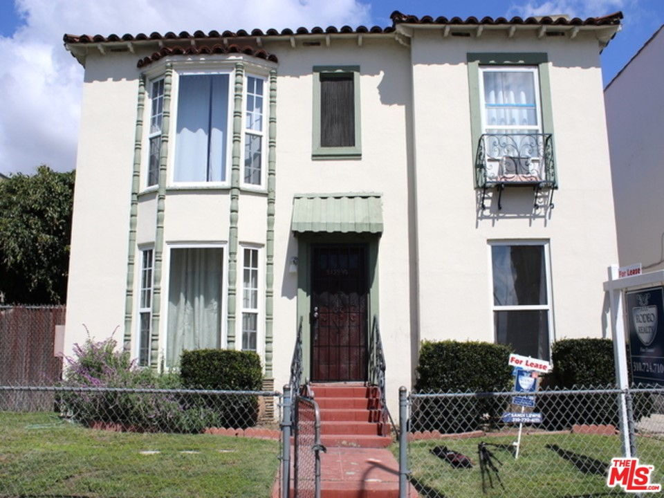 5139 MARATHAN #  Los Angeles CA 90038