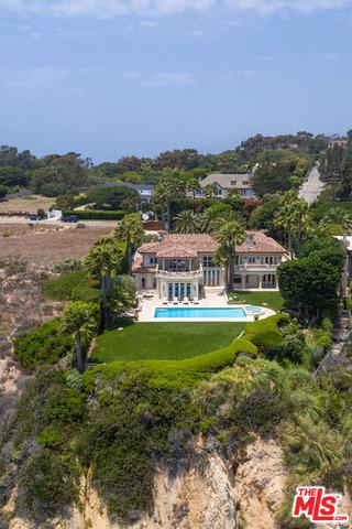 Single Family Home for Sale at 29208 Cliffside Drive Malibu, California 90265 United States