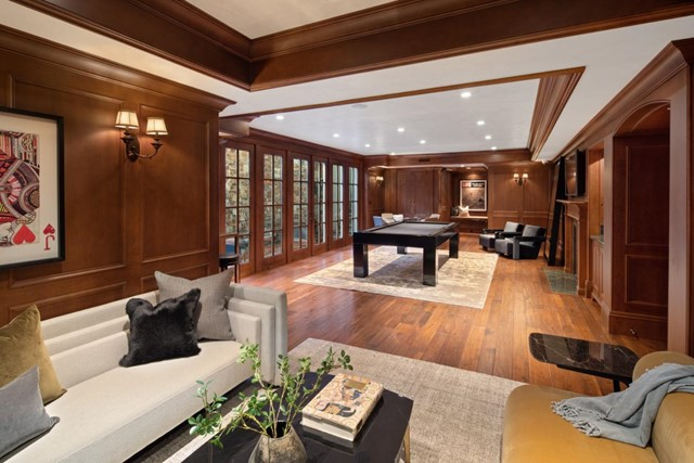 420 Selby Lane, Atherton CA: http://media.crmls.org/mediaz/BE9A6325-3F81-491F-A5B7-85C507954545.jpg