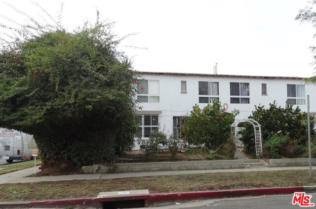 Single Family for Sale at 1481 Wooster Street S Los Angeles, California 90035 United States