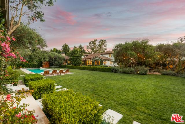 Photo of 948 N Orlando Avenue, Los Angeles, CA 90069
