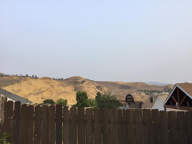 14661 Daisy Meadow Street, Canyon Country CA: http://media.crmls.org/mediaz/BF2544E4-4325-40EC-A2C8-01BF6EC4AC6C.jpg