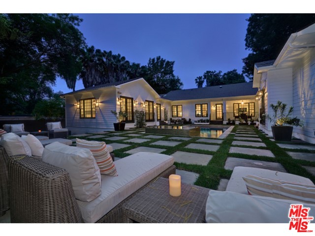 Single Family Home for Rent at 11902 Laurel Hills Road Road Studio City, California 91604 United States
