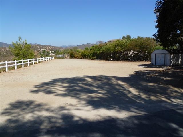 3251 Vista Cielo Ln, Spring Valley CA: http://media.crmls.org/mediaz/BFF0413B-A4CD-4E13-A698-C2FEBA1CCAF3.jpg