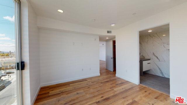 1143 Glenville Drive, Los Angeles CA: http://media.crmls.org/mediaz/C030C45A-E3D6-42F4-A32A-9C642905781C.jpg