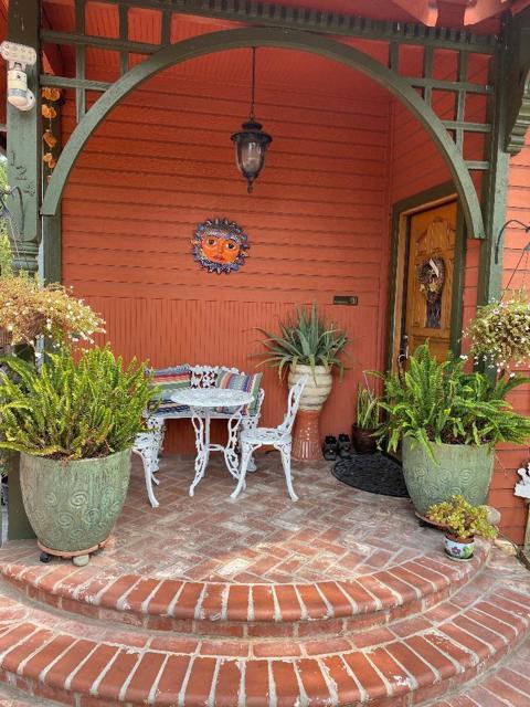 124 24th Street, San Jose CA: http://media.crmls.org/mediaz/C05E7B0A-4595-48CC-AA39-FA216D7FB745.jpg